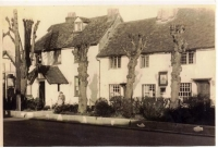 Tollgate Hotel at No 65 High Street
